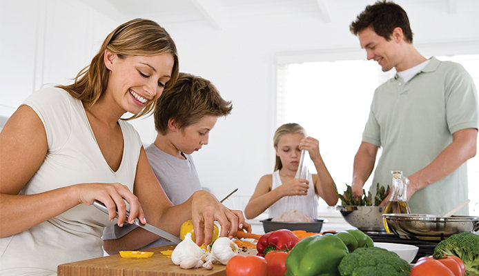 694x400-family-making-dinner.jpg?Revision=FxW&Timestamp=MzGnVG