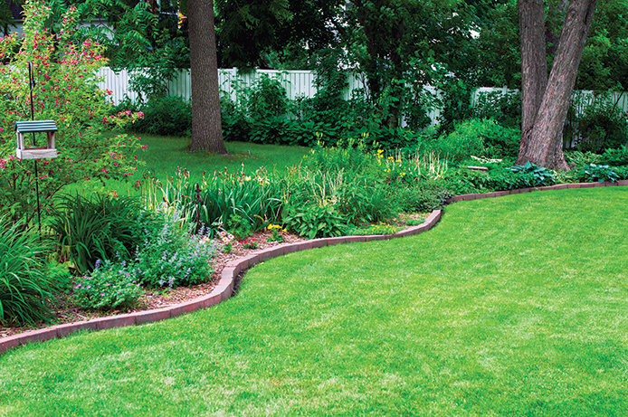 Garden Pavers and mulch