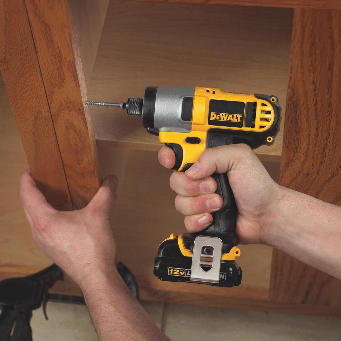DeWalt XTREME 12V MAX XR Lithium-Ion 1/4 In. Hex Brushless Cordless Impact Driver Kit Image 3